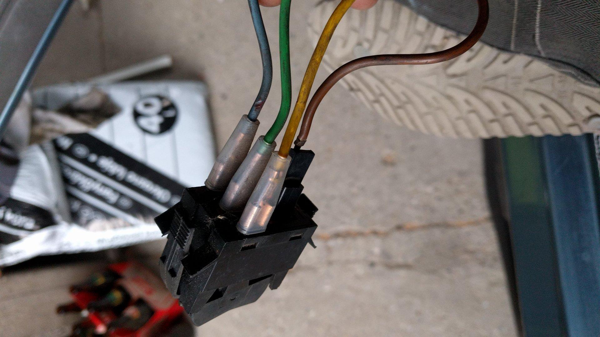 Verkabelung nebelscheinwerfer - Technikecke - vwT3.at